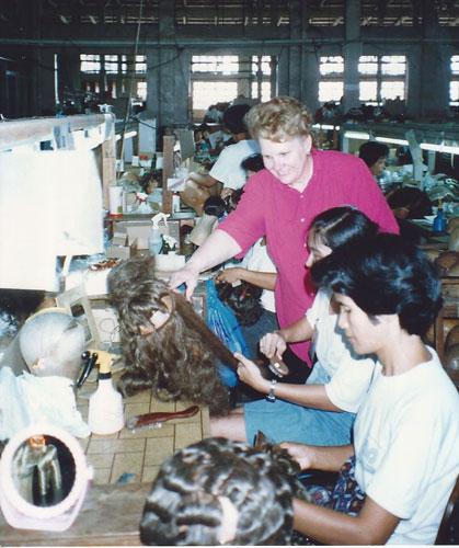 Wigs, Machine made verus a Handtied wig